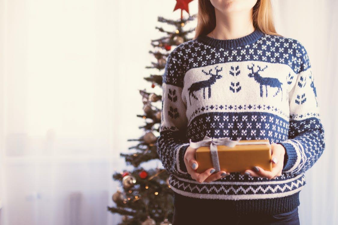 kerst trui en cadeau